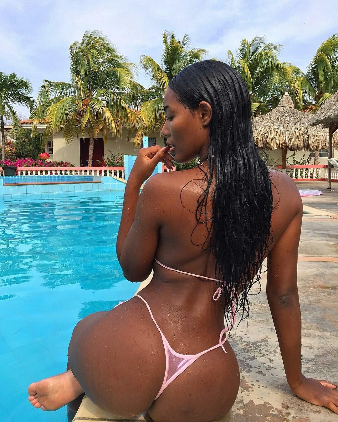 black-bikini-models-ass-glamour-models-naked