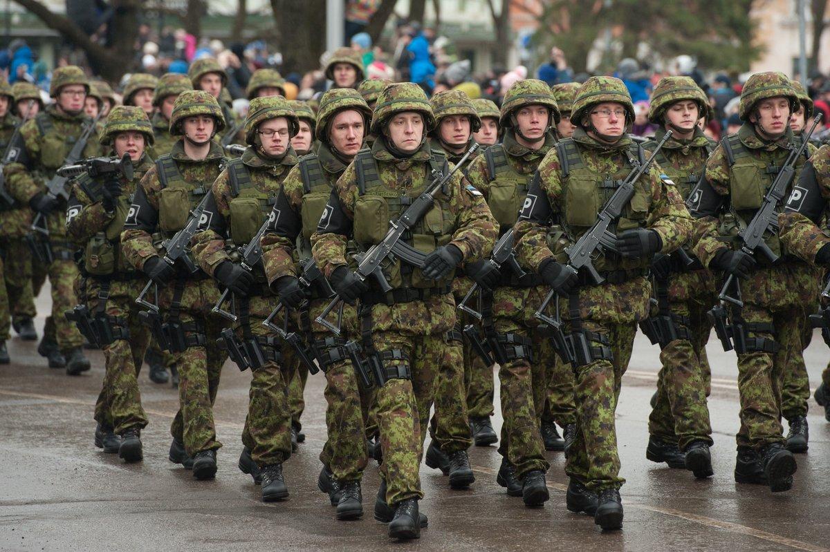 машина военные люди фото умеренно вытянуто длину