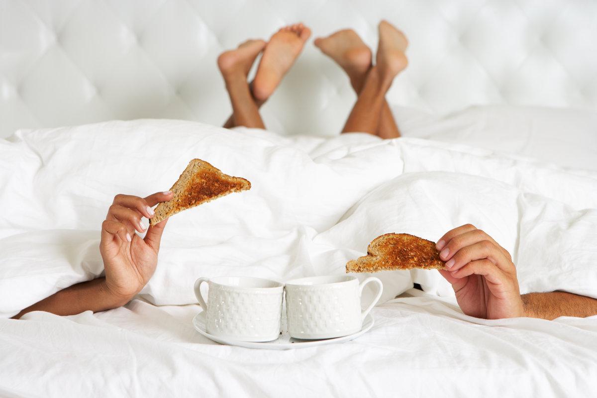 Прикольная картинка завтрак в постель