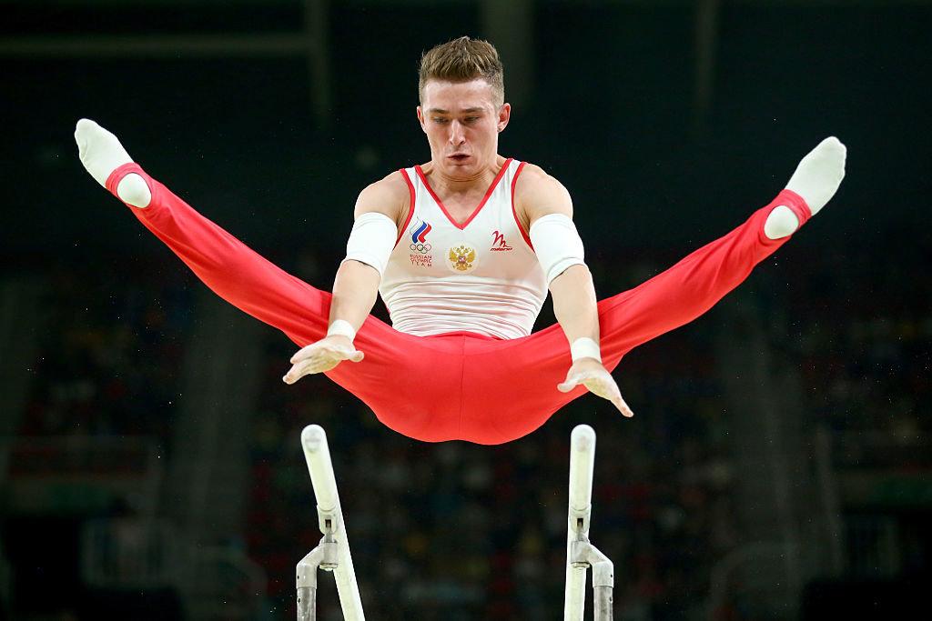 наставник, мудрость фото гимнаста мужчины современном районе