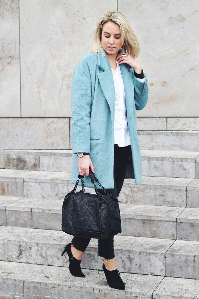 сумка под голубое пальто