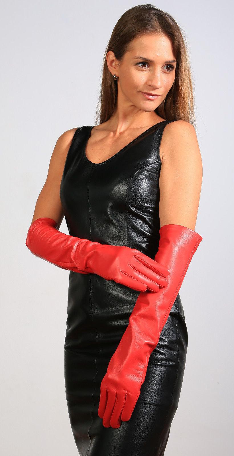 Зрелые женщины в длинных перчатках #8