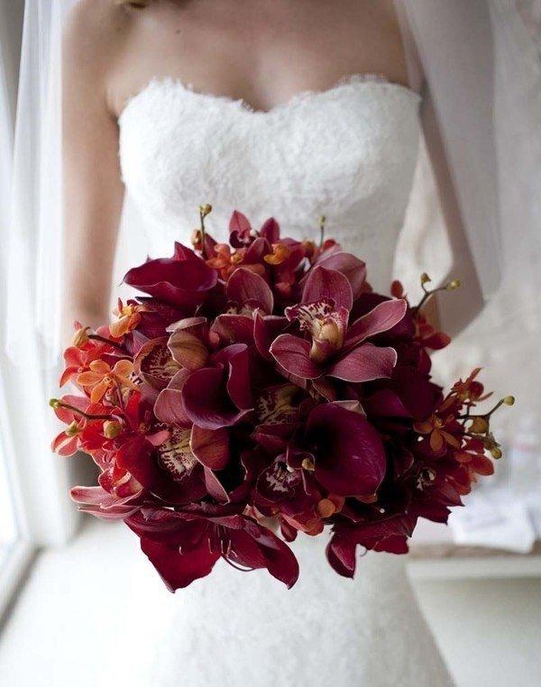 Букет из красных орхидей купить