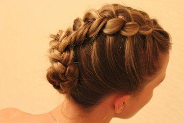 Объемные косы на короткие волосы