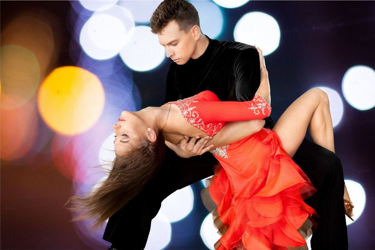 Латинос любительские парные танцы видео, на каком спутнике хорошая порнуха