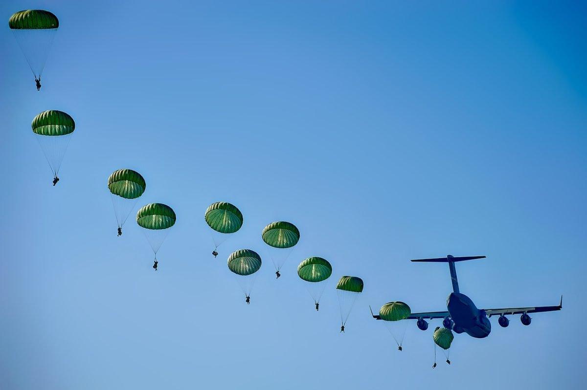 Картинки прыжки с парашютом вдв, первоцветы своими