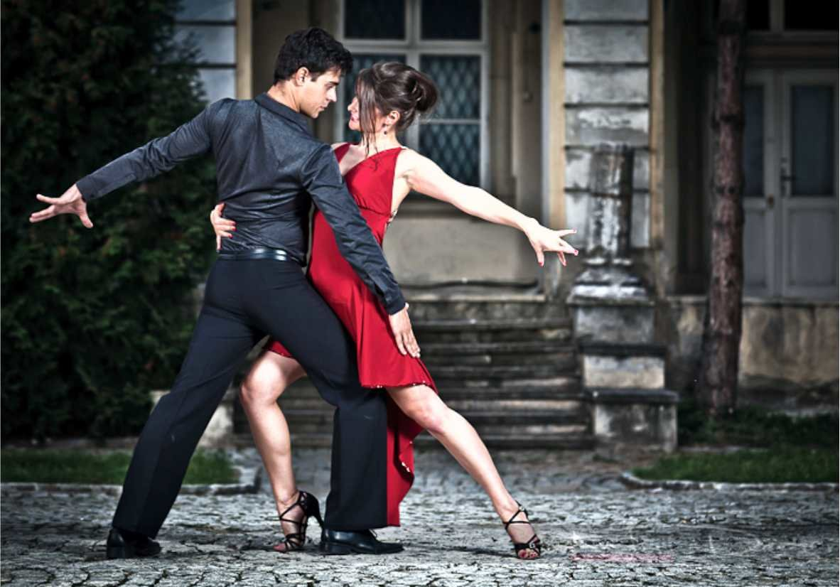 Танец влюбленной пары картинки
