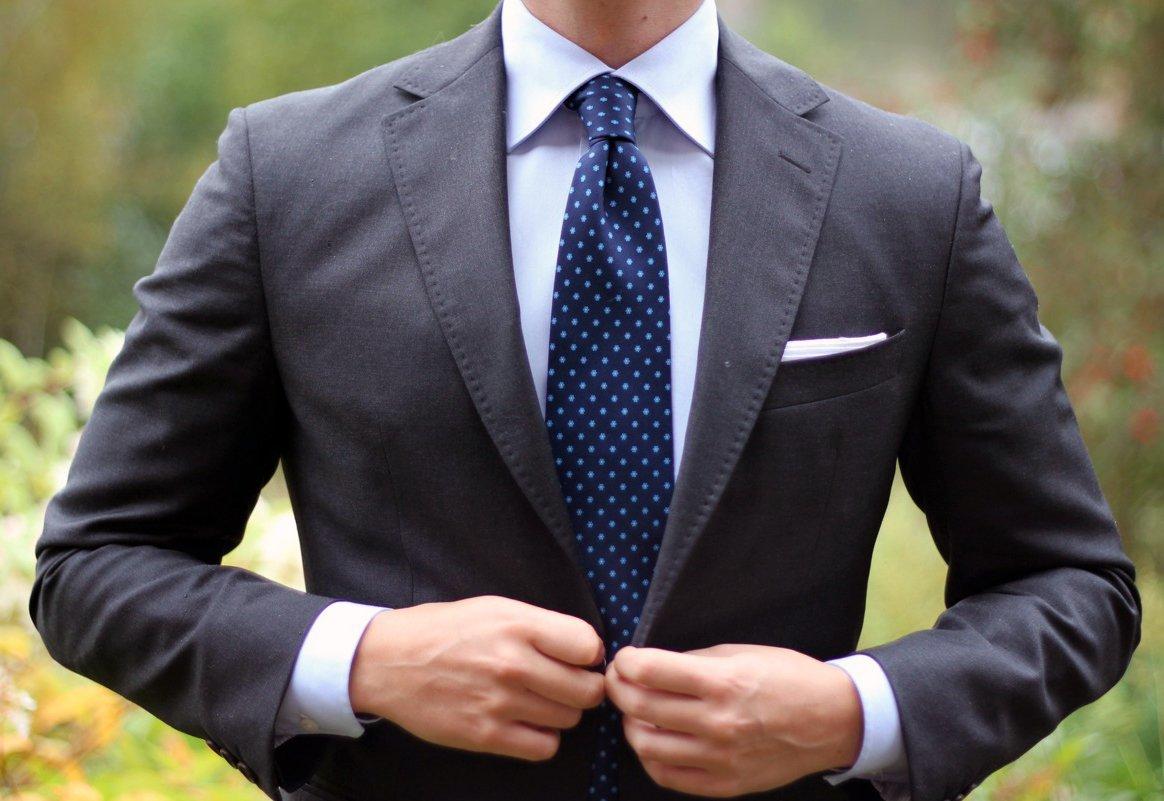 Картинка пиджак с галстуком