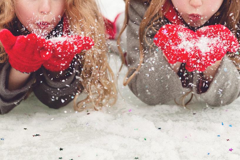 картинки подруги зимой сосала чупа-чупс
