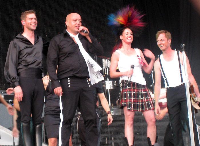 Aqua в Австралии, ноябрь 2008. Слева направо: Сёрен Растед, Рене Диф, Лене Нюстрём, Клаус Норрен