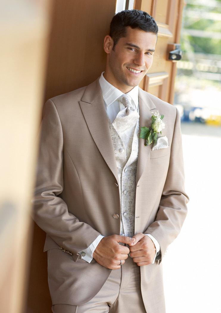 Картинки самых красивых костюмов на свадьбу