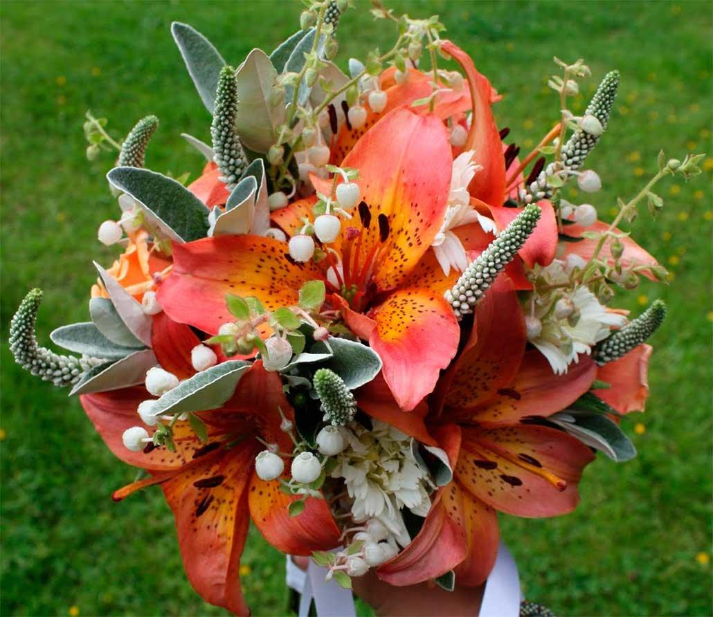букеты лилии яркие фото плинтуса для
