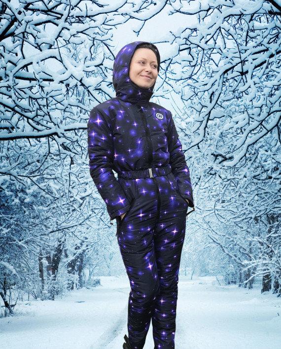 Фотографии девушек в зимних комбинезонах #12
