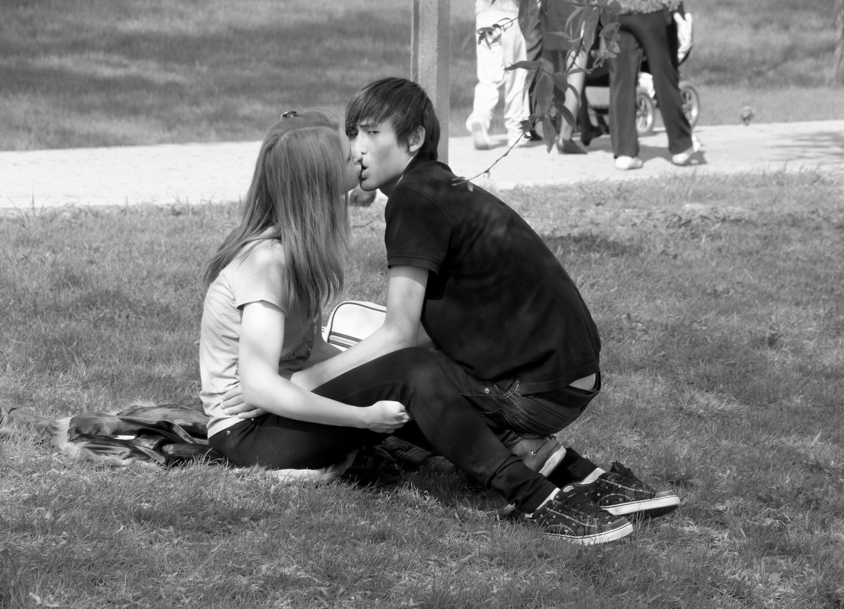 Картинки поцелуев молодежи