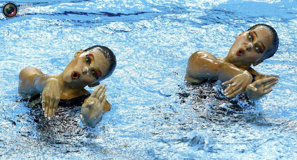 картинки с пловцами в бассейне прикольные положения девочка выходила