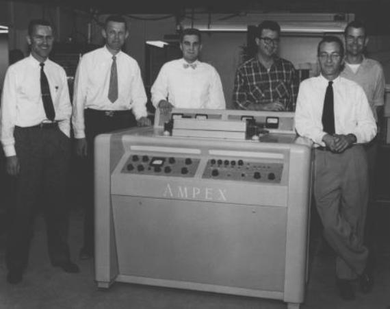 14 марта 1956 года американская компания Ampex продемонстрировала первый в истории видеомагнитофон