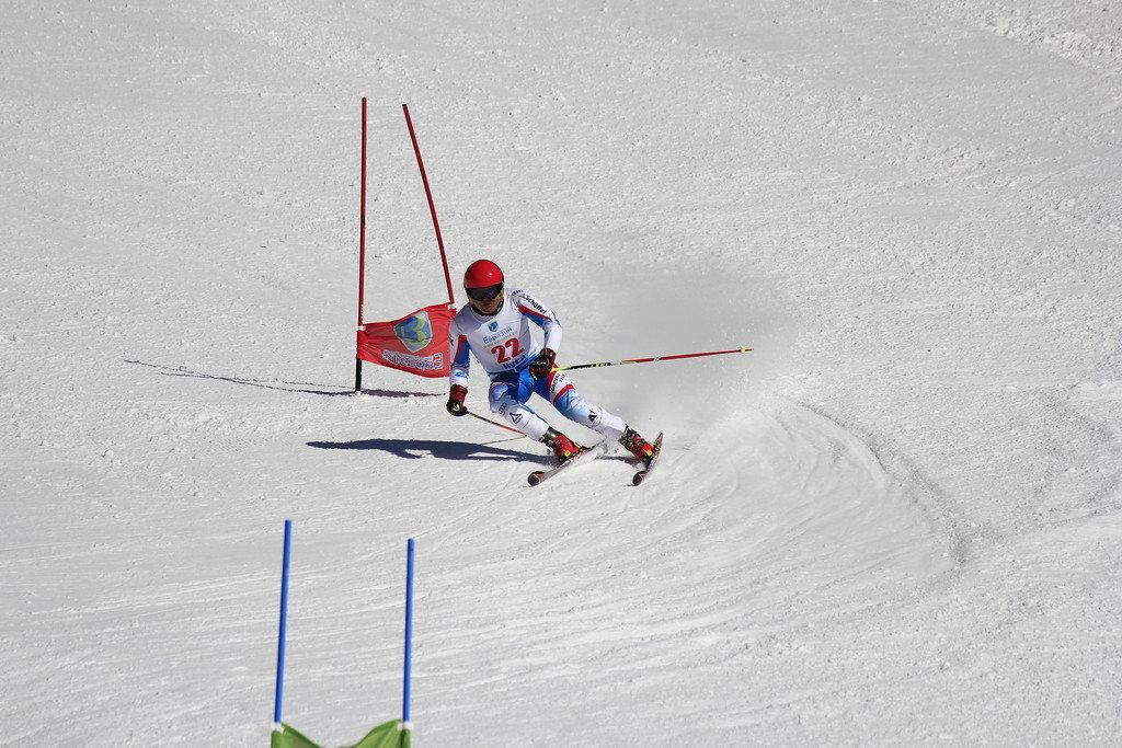 другие картинки слалом на лыжах очередного