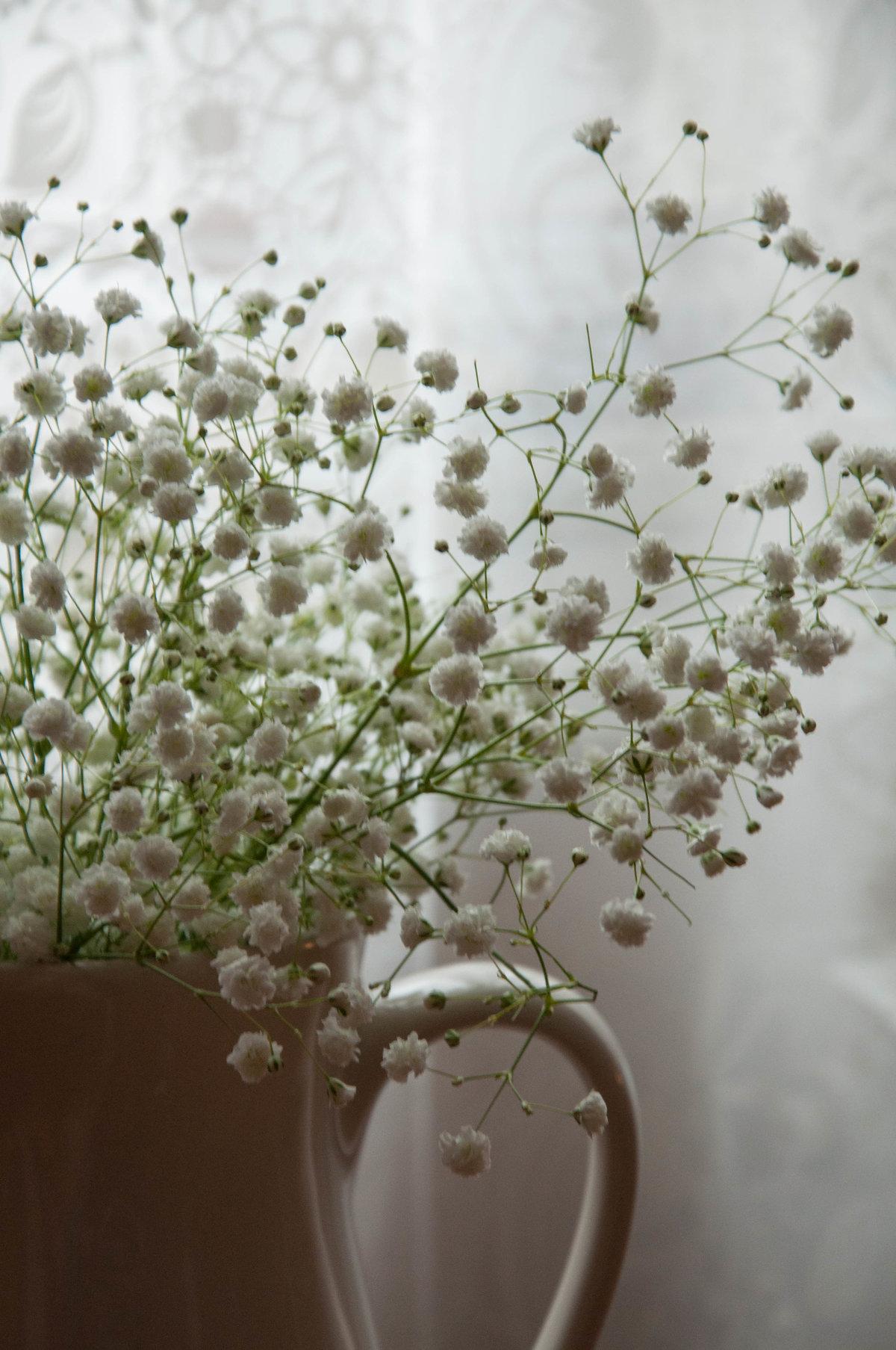 Как вышить цветок на ткани 16