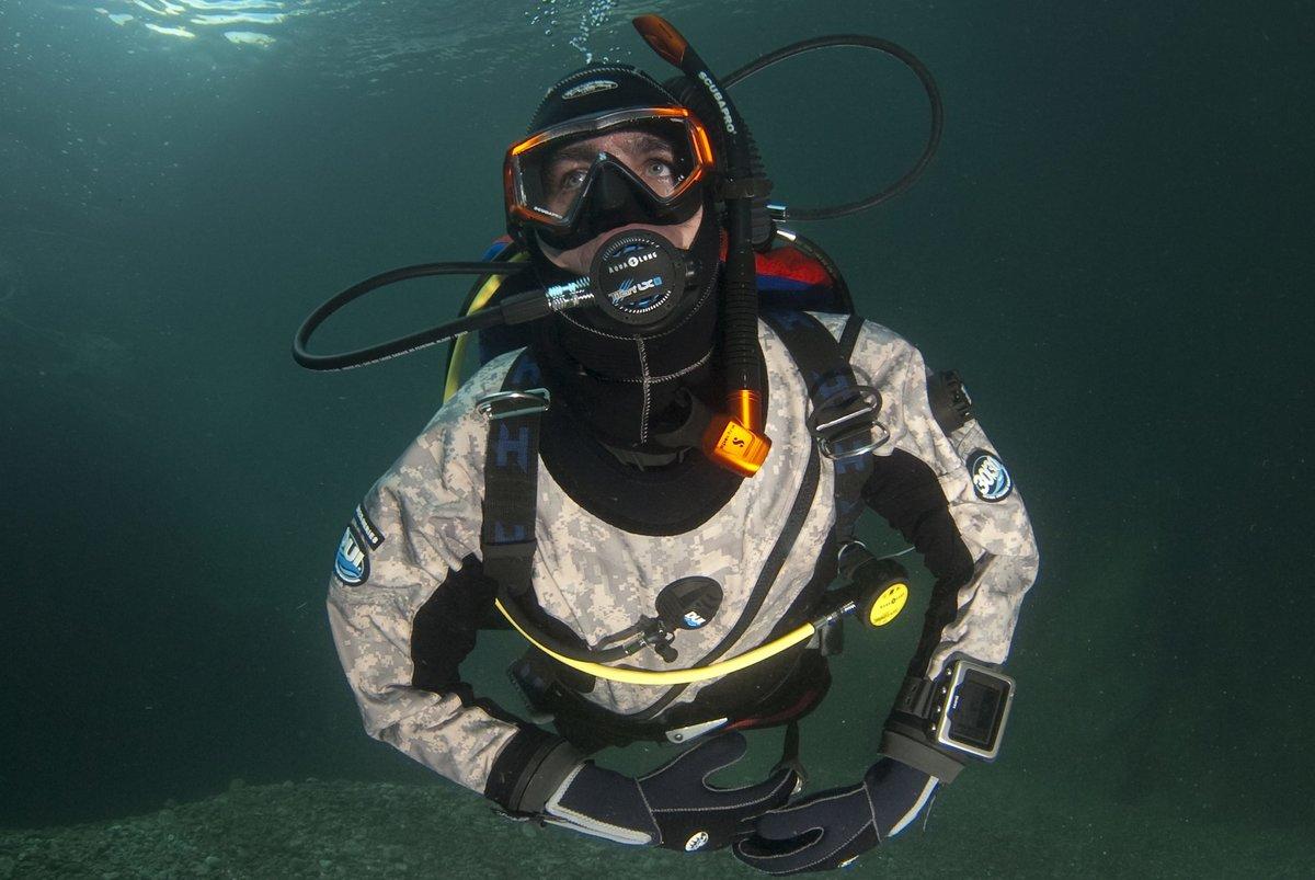 выпускные подводный костюм картинки тут