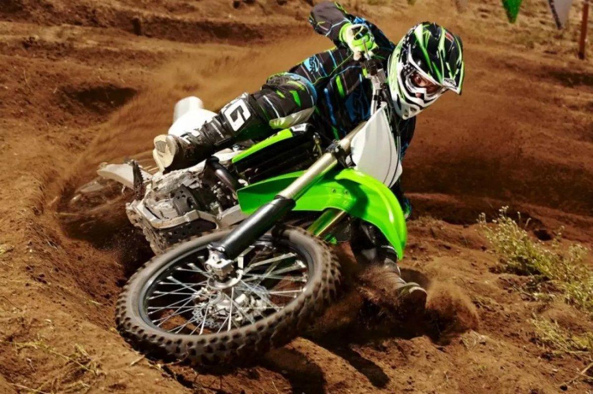 Кроссовый мотоцикл HONDA CRF, зеленый.