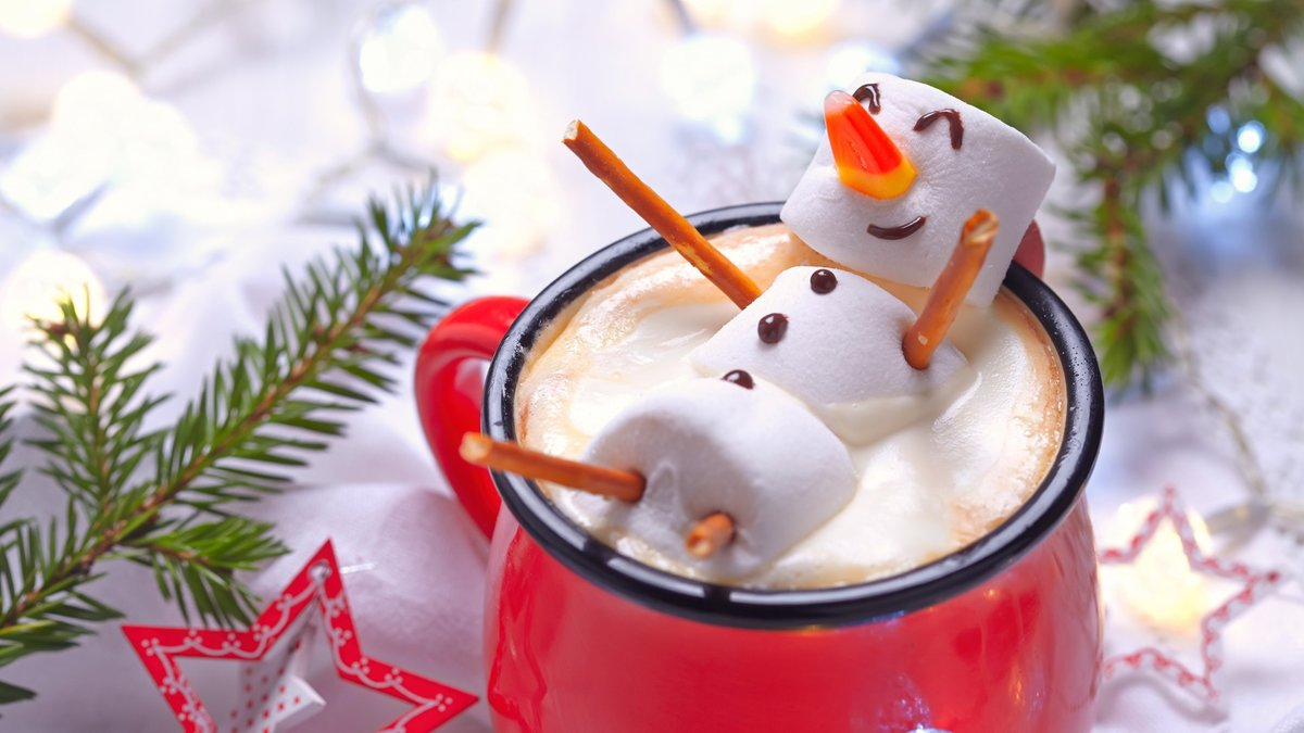 Снеговик из зефирок - идеальный напиток на Новый Год