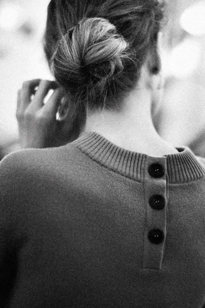 Картинки девушек черно-белых со спины