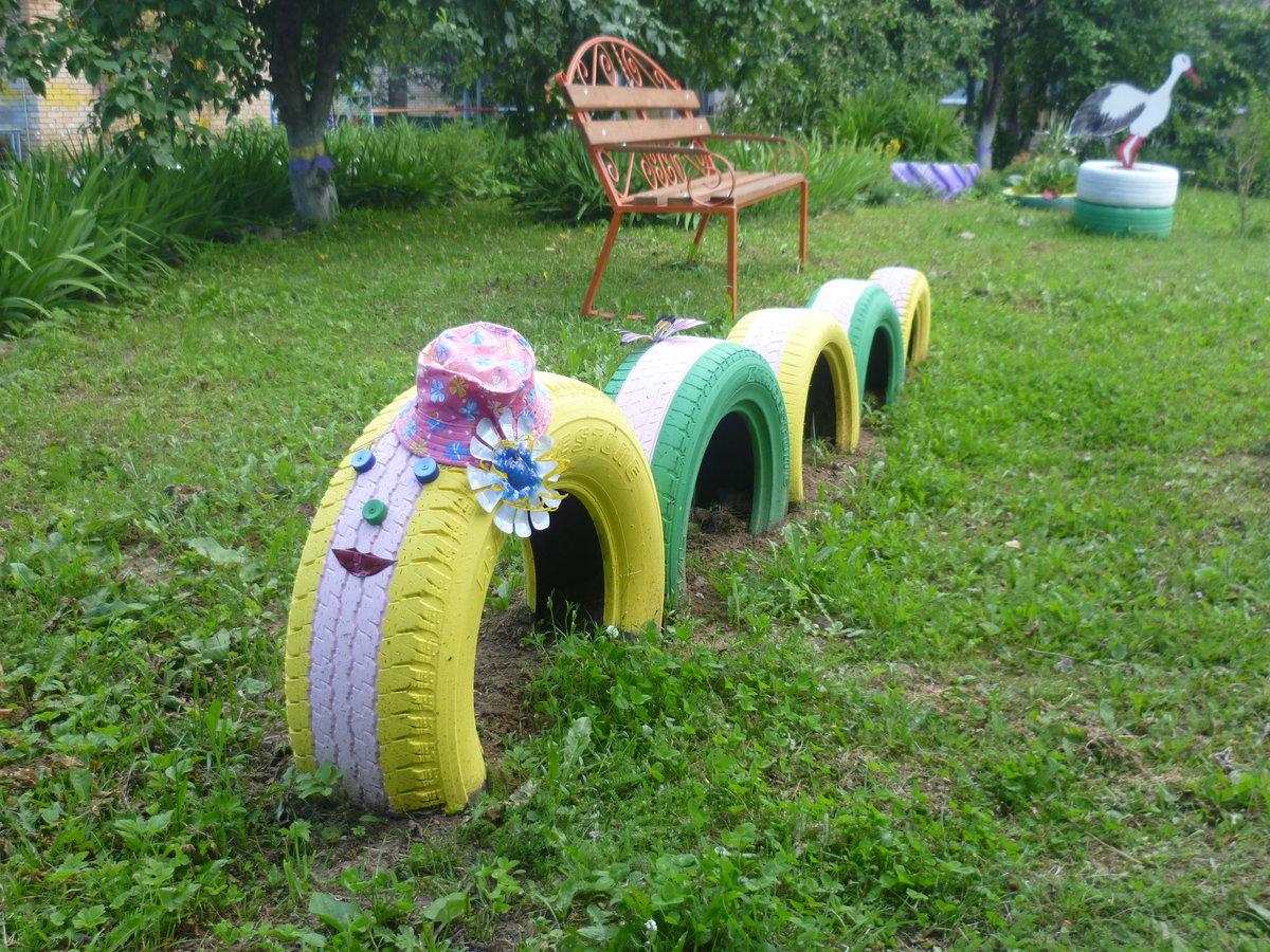 Картинки детская площадка из колес