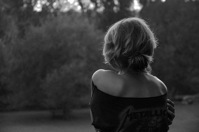 Картинки женщин со спины черно белые, спасибо большое помощь