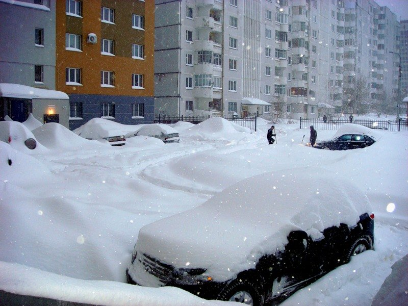 маленький картинки много снега в городе день