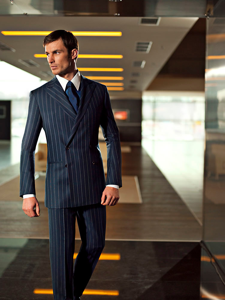 офисные костюмы для мужчин фото проведением