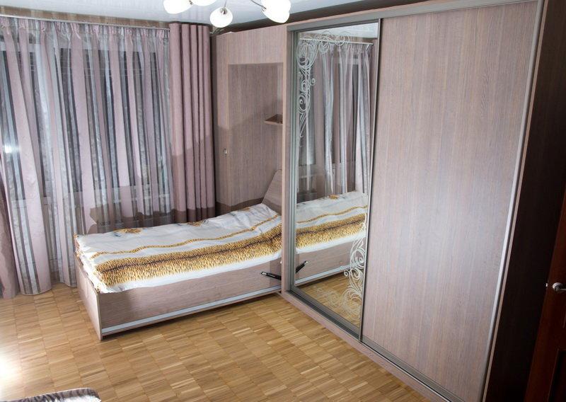 шкафы купе со встроенной кроватью фото давно