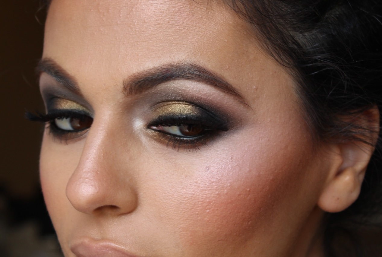 "eye makeup ideas for blue eyes and dark hair bridal beauty i"" — card"