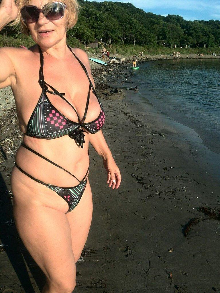 Фото женщин взрослых голых считаю