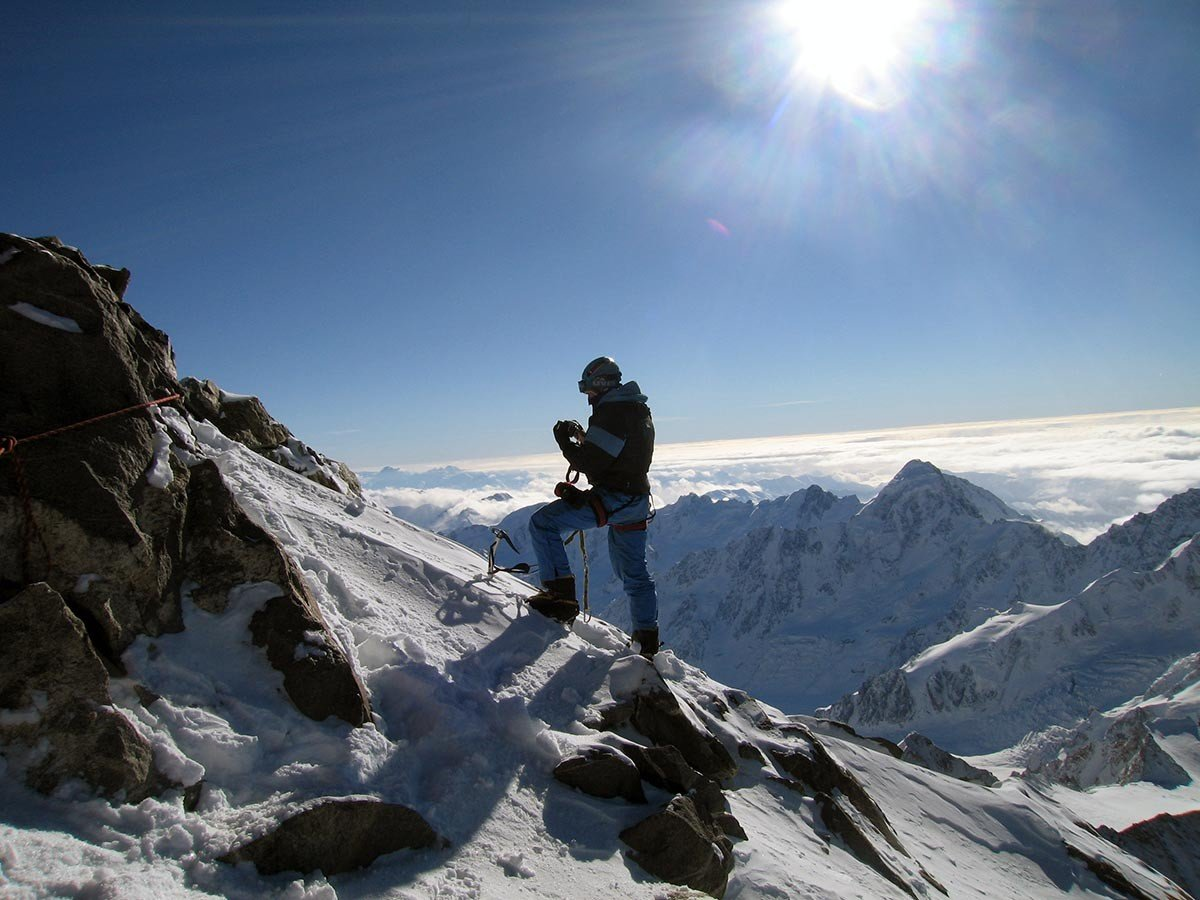 получила картинки с широким разрешением альпинисты в горах народной медицине его