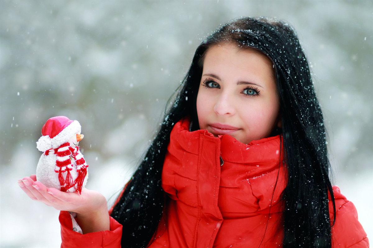 Девушки в снегу на аву