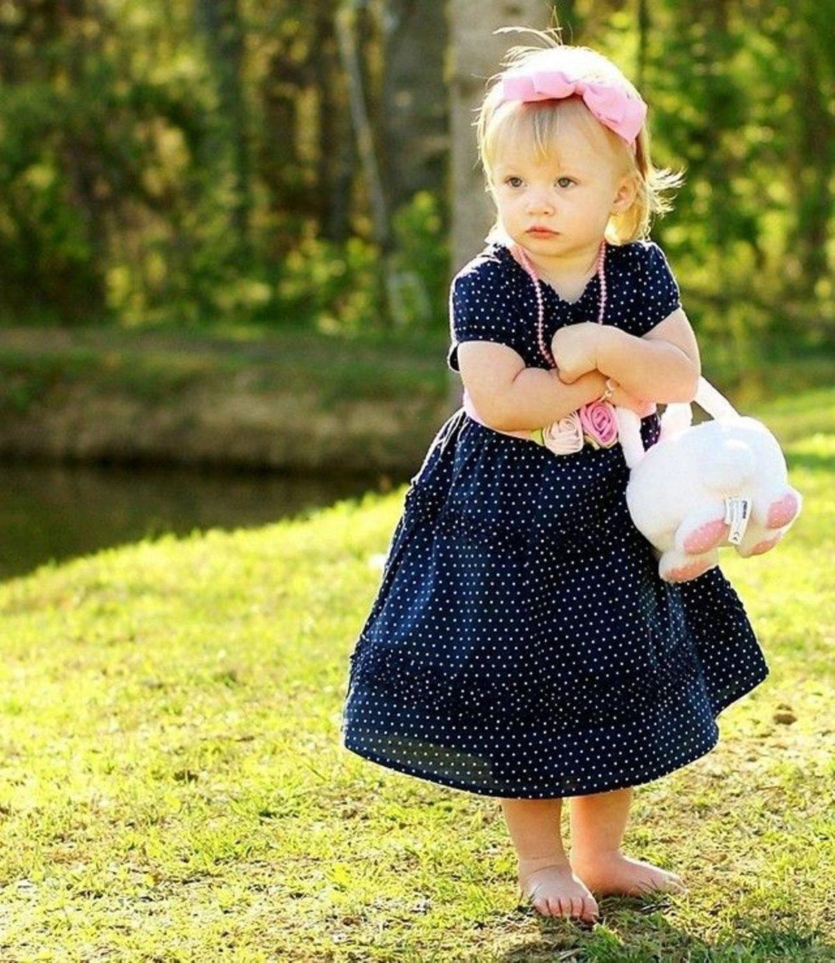 Девочка и платье прикольные картинки, приглашение