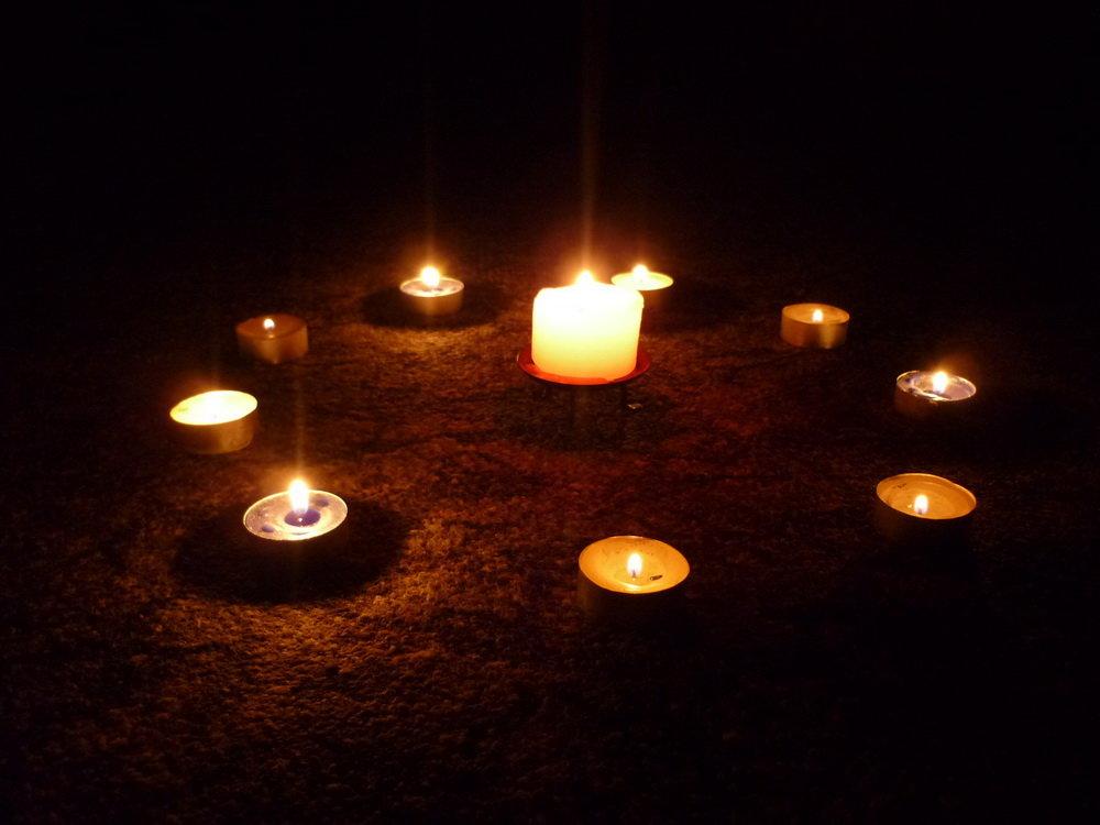 Картинки свечи ночью