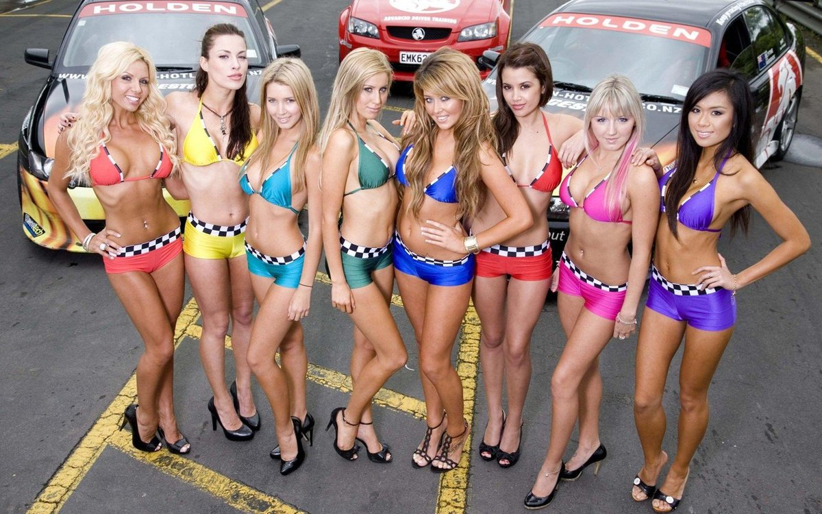 bikini-car-show-woman