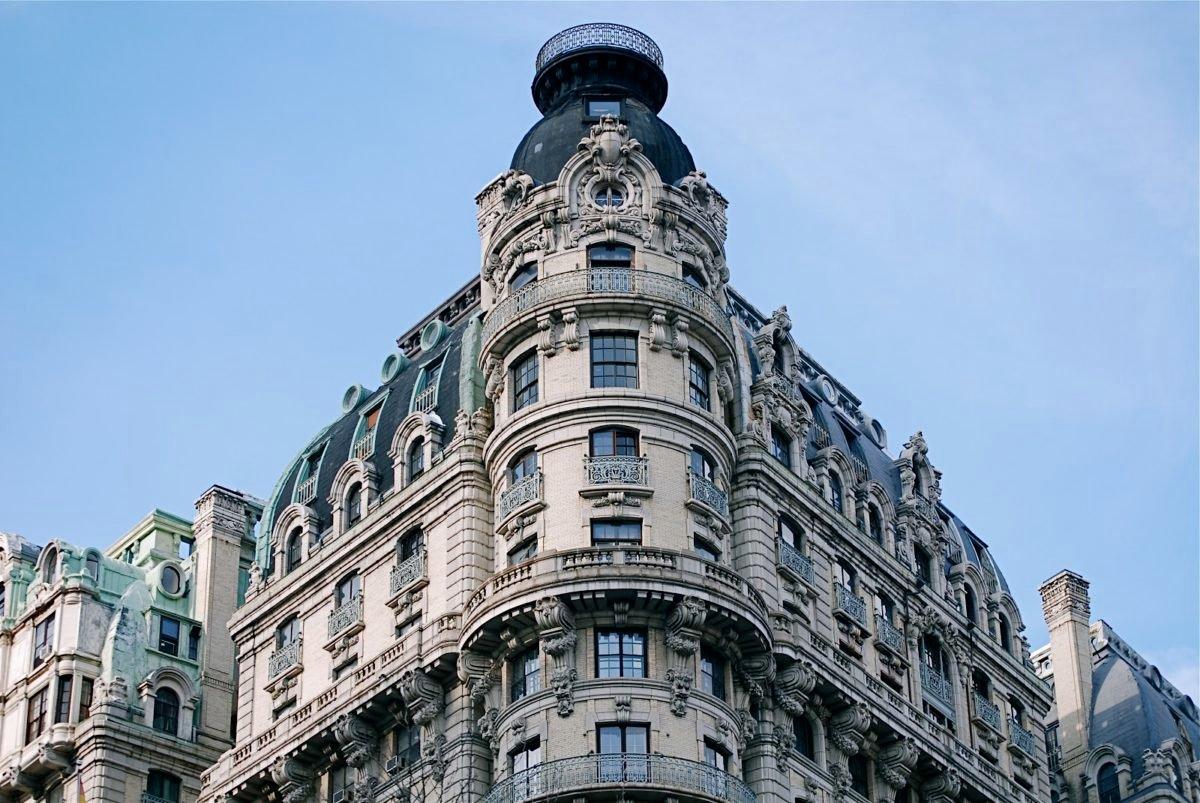 здание отеля «ansonia» в нью-йорк фото