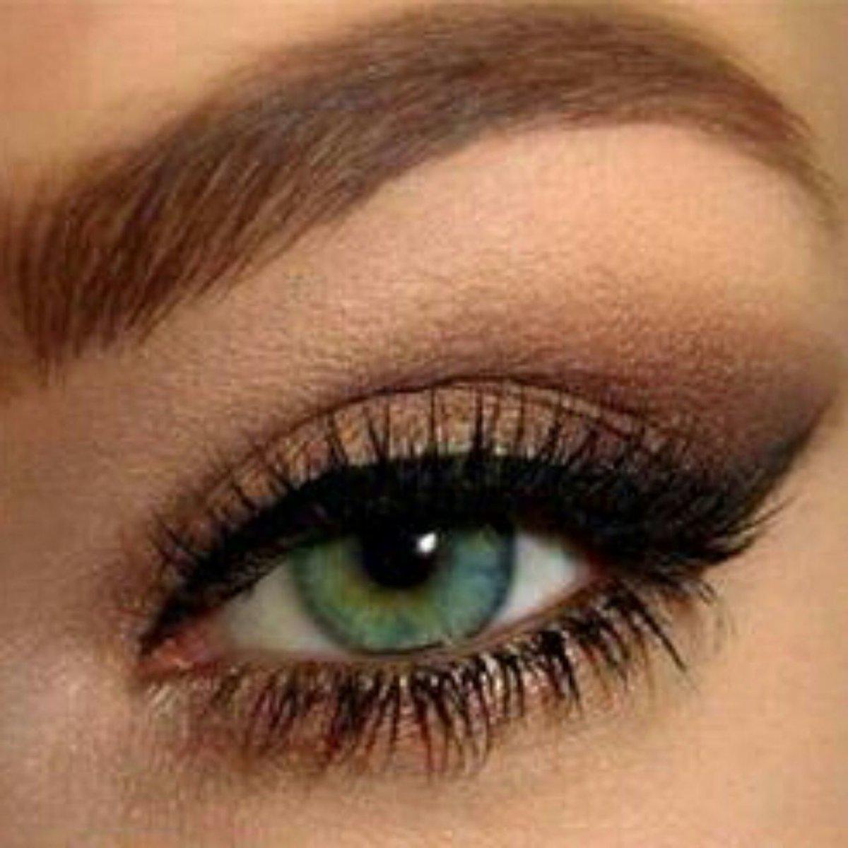 твои тени для зеленых глаз Новогоднюю