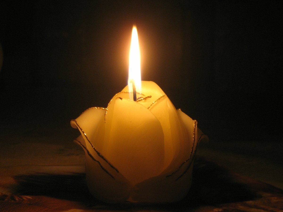 Картинка свеча горела