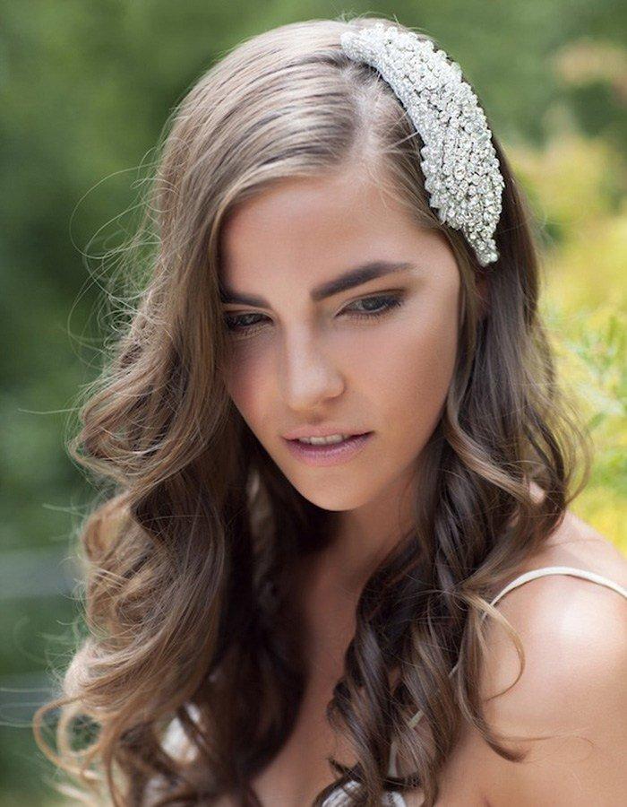 Причёски с цветами для волос фото