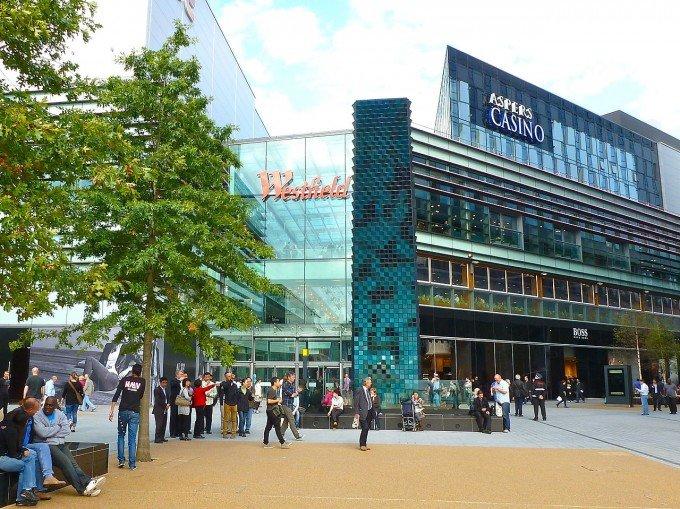 Торговый центр Westfieldв Лондоне , вход