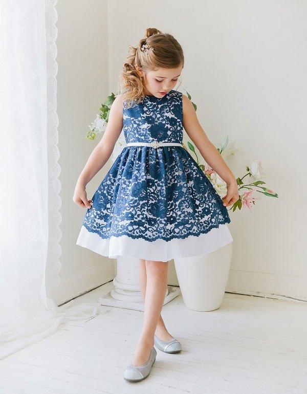 Девочки уже не хотят носить принцессные платья, а мечтают о более взрослых нарядах.