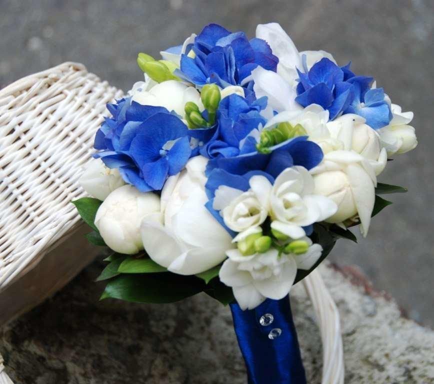 Опт, букет из синей фрезии