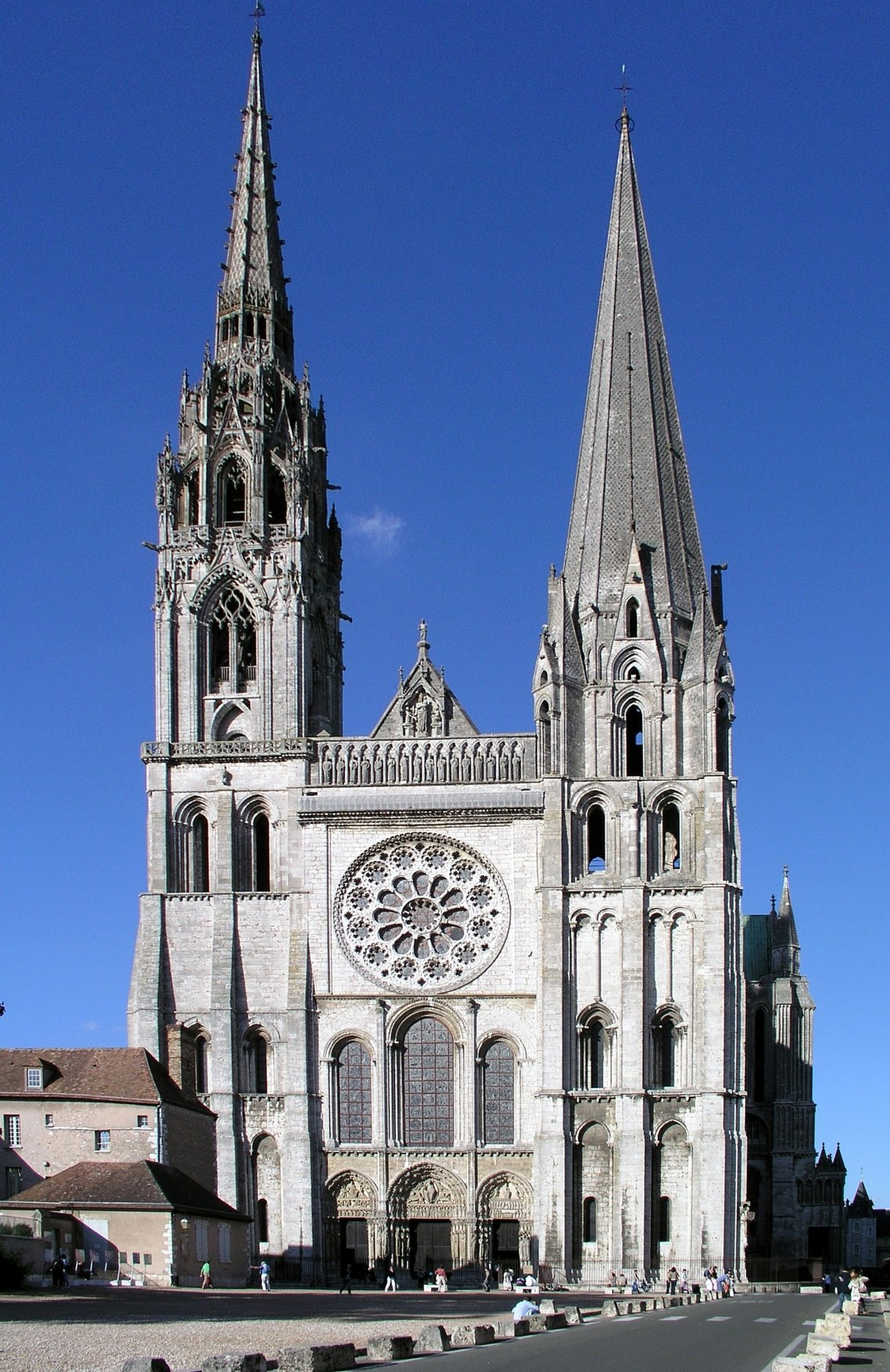 chartres cathedral architecture essay