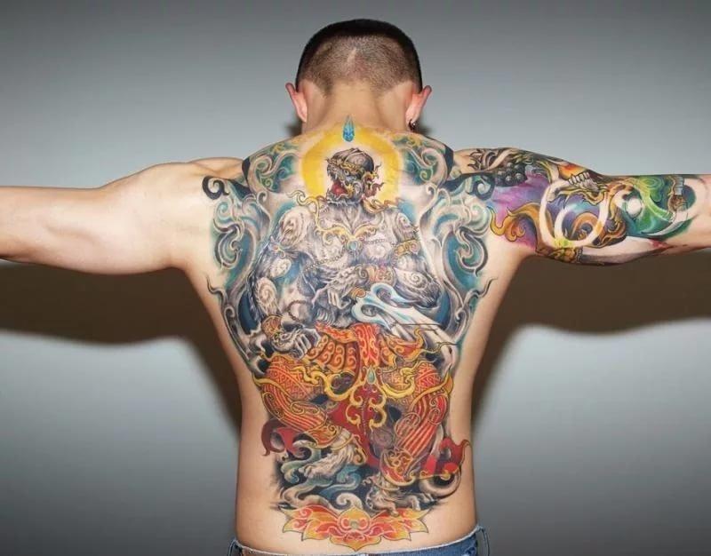 Фото самых распространенных тату на спине