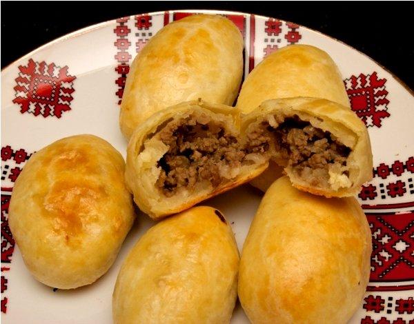 Пирожки с мясом в духовке бездрожжевое тесто