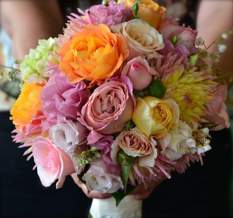 Распределение цветов в букете должно быть, день города