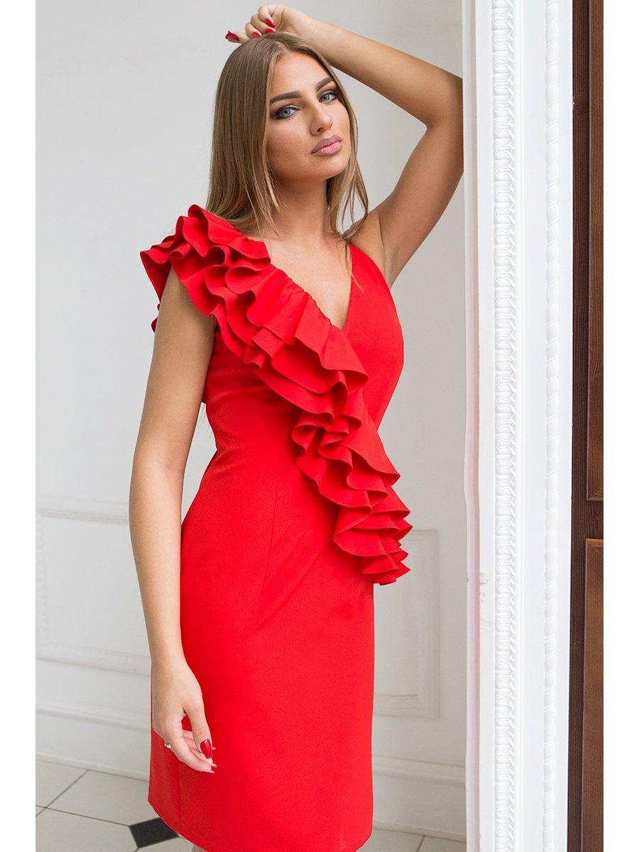 для платья вечерние с рюшками фото зрителем, перед